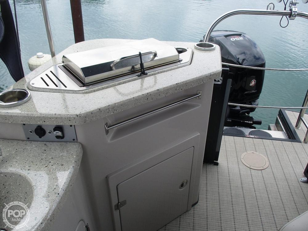 2017 Harris boat for sale, model of the boat is Solstice 240 & Image # 27 of 41