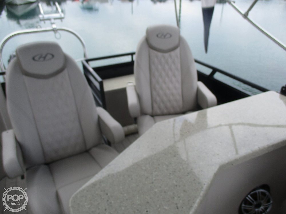 2017 Harris boat for sale, model of the boat is Solstice 240 & Image # 31 of 41