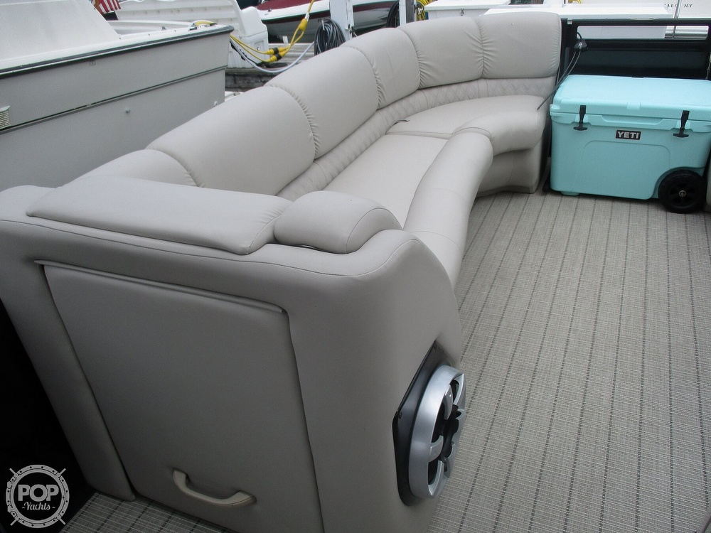 2017 Harris boat for sale, model of the boat is Solstice 240 & Image # 33 of 41