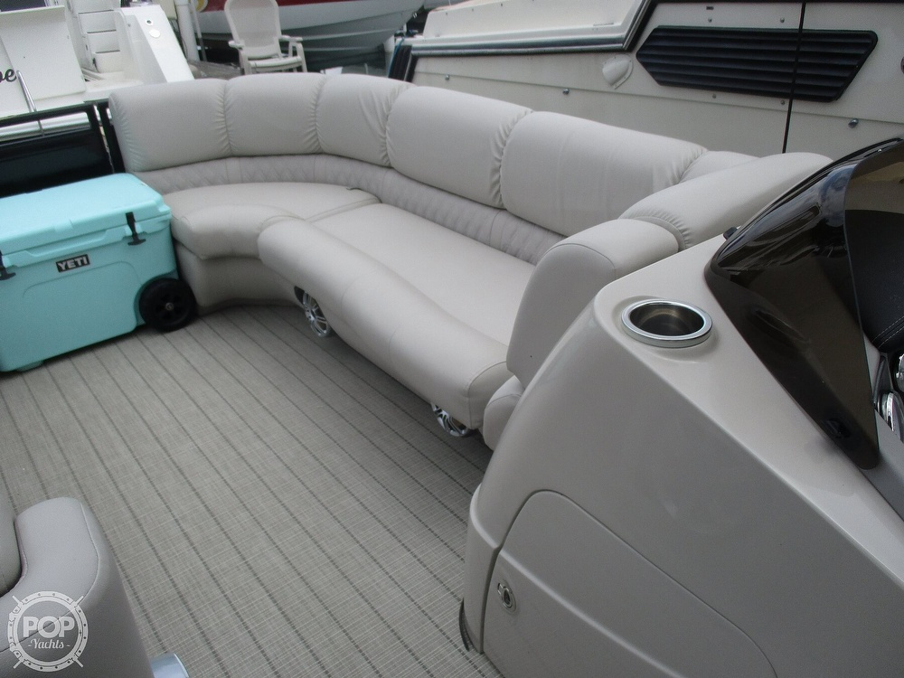 2017 Harris boat for sale, model of the boat is Solstice 240 & Image # 34 of 41
