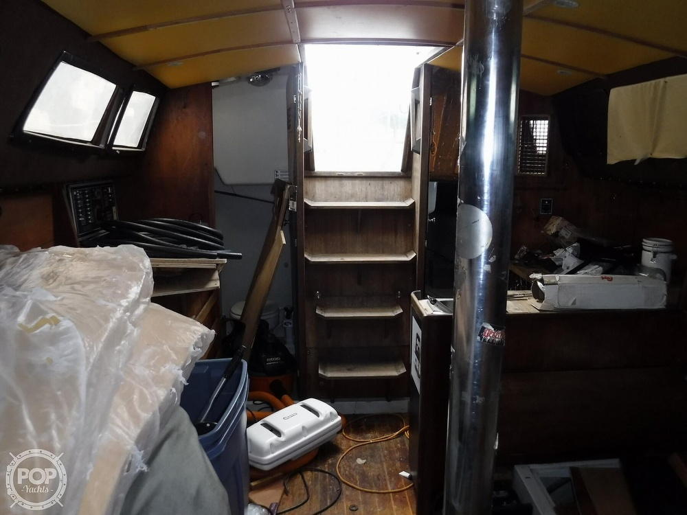 1989 O'day boat for sale, model of the boat is 302 & Image # 17 of 32