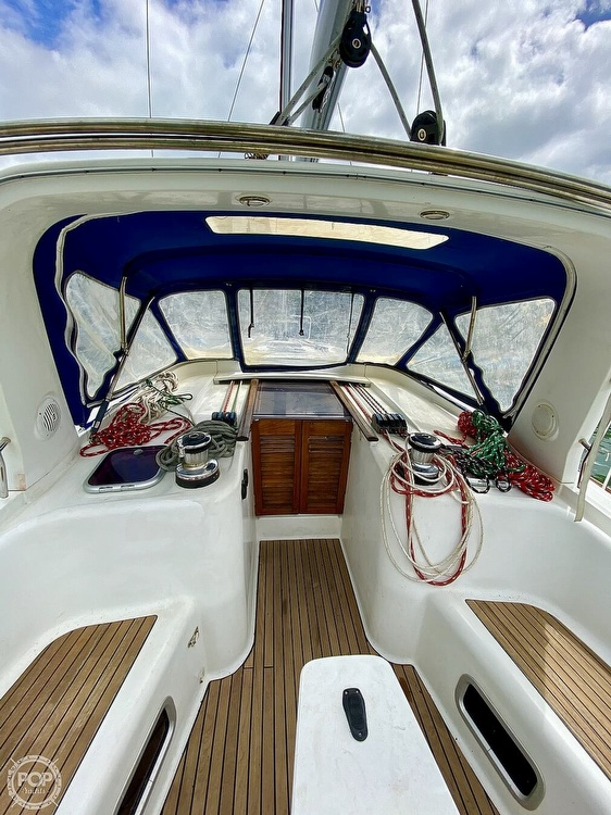 2011 Beneteau boat for sale, model of the boat is Oceanis 50 & Image # 13 of 41
