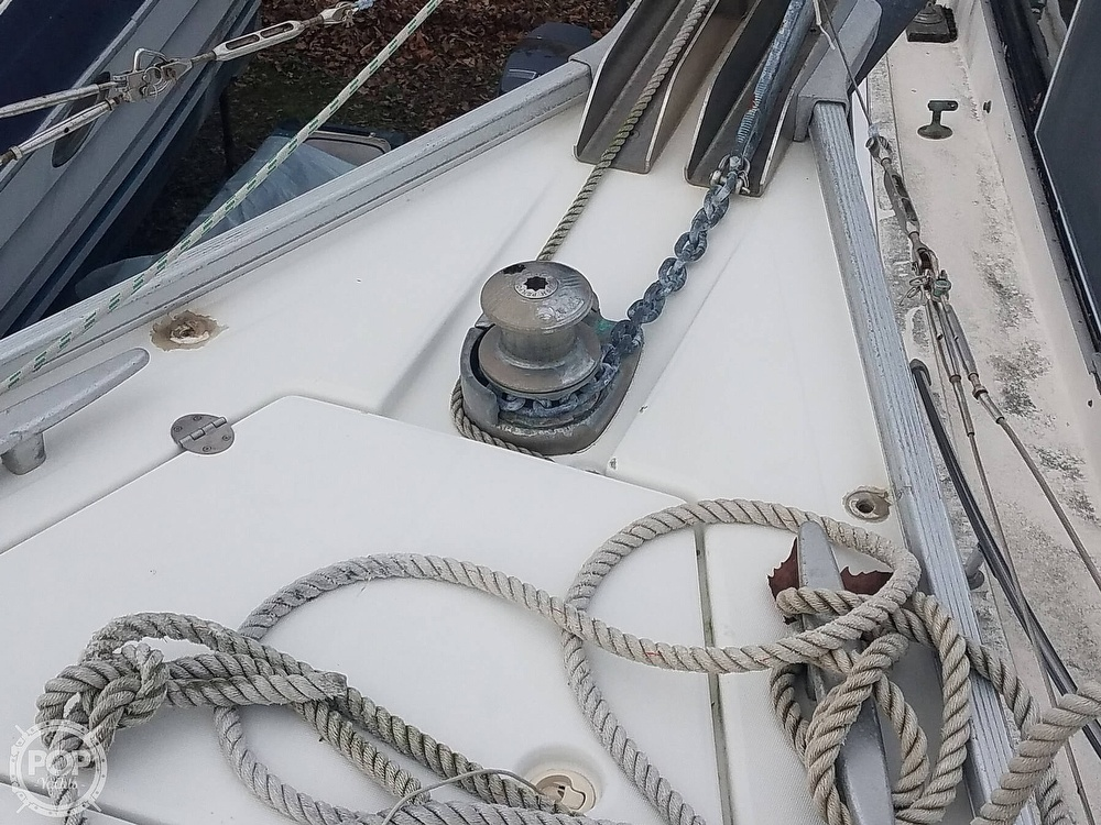 2006 Beneteau boat for sale, model of the boat is Cyclades 43.3 & Image # 37 of 40