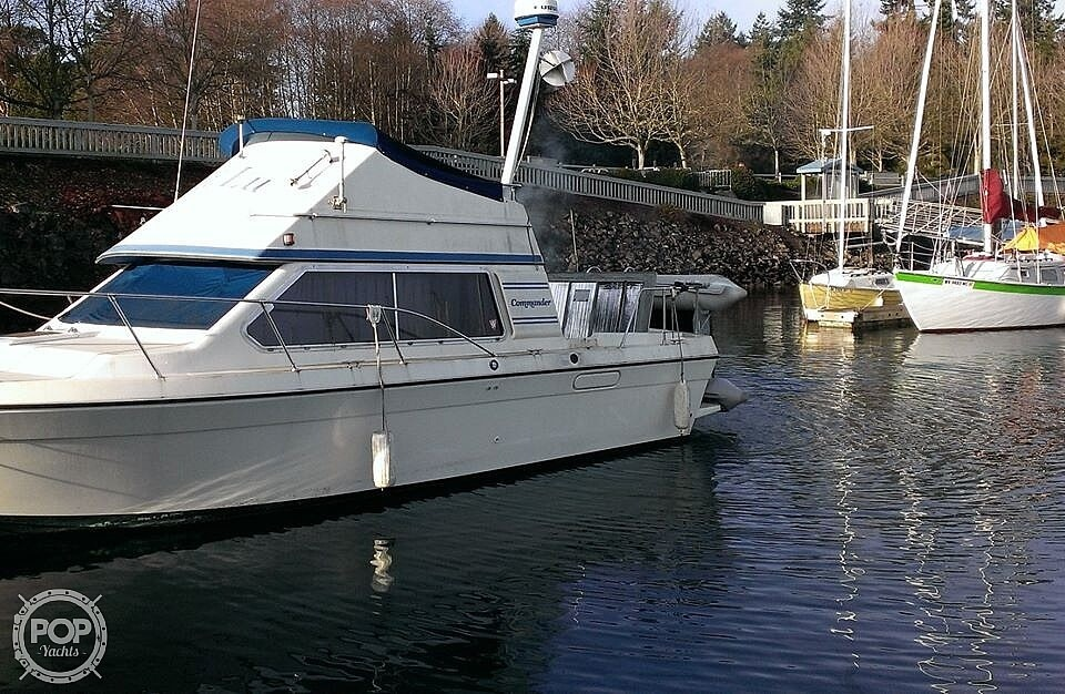 1988 Commander boat for sale, model of the boat is Sport Fisherman & Image # 2 of 30