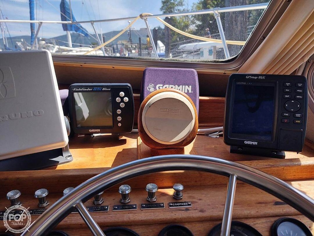 1988 Commander boat for sale, model of the boat is Sport Fisherman & Image # 20 of 30