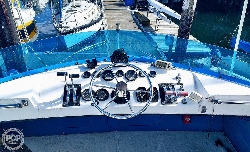 1988 Commander boat for sale, model of the boat is Sport Fisherman & Image # 27 of 30