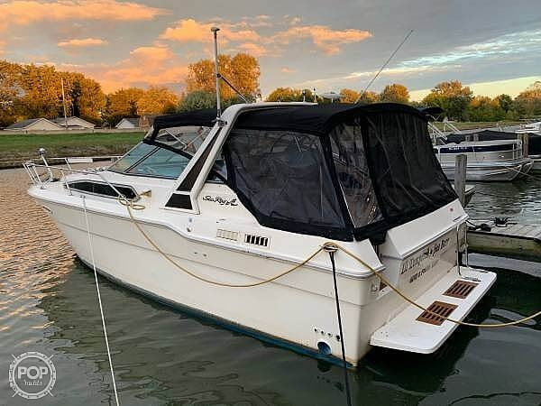 1988 Sea Ray boat for sale, model of the boat is 300 Weekender & Image # 2 of 21