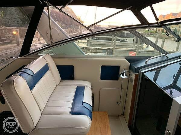 1988 Sea Ray boat for sale, model of the boat is 300 Weekender & Image # 6 of 21