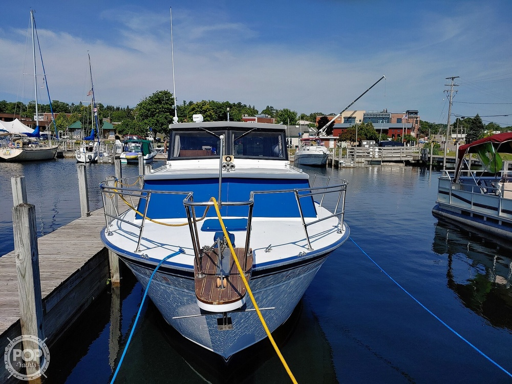 1988 Marinette boat for sale, model of the boat is 29 Sedan & Image # 3 of 6