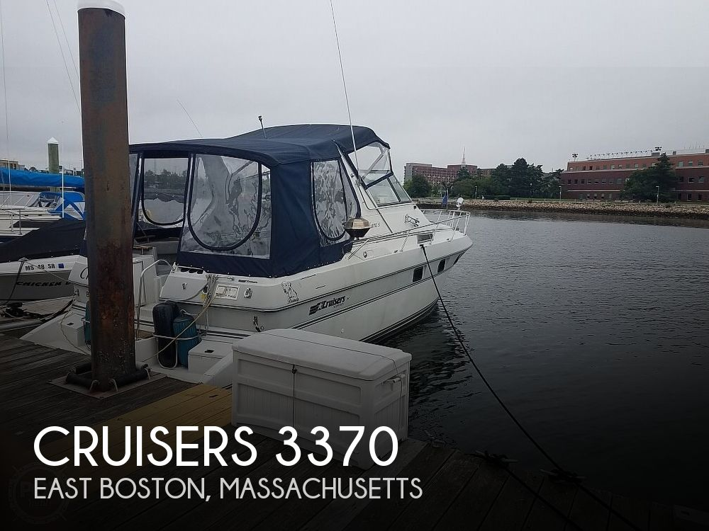 1989 Cruisers Yachts boat for sale, model of the boat is 3370 Esprit & Image # 1 of 10