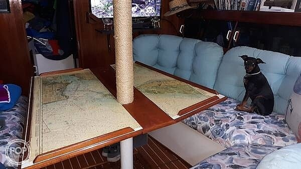 1984 Hunter boat for sale, model of the boat is 40 & Image # 10 of 40