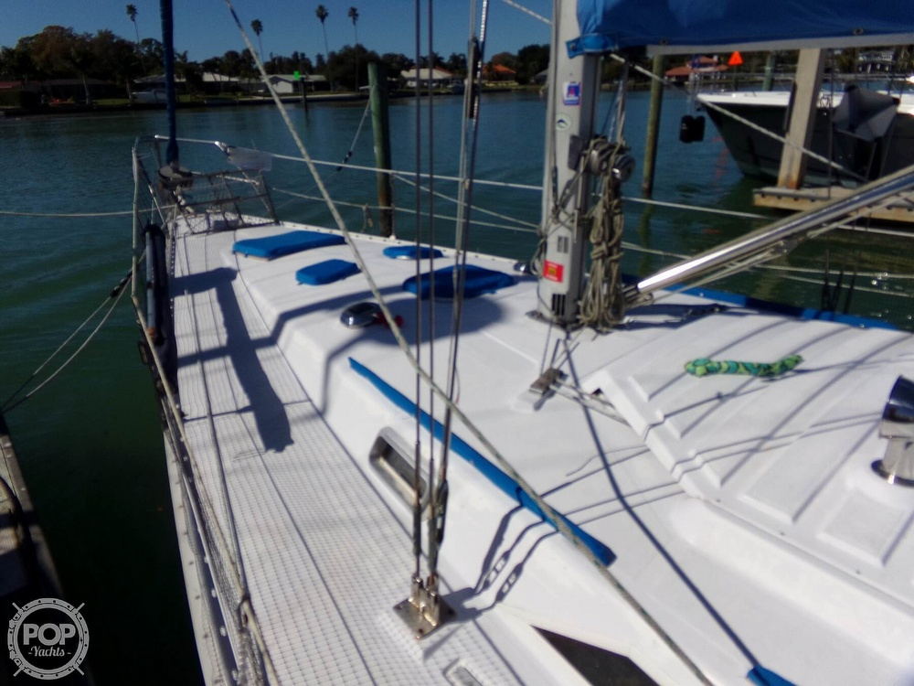 1984 Hunter boat for sale, model of the boat is 40 & Image # 19 of 40