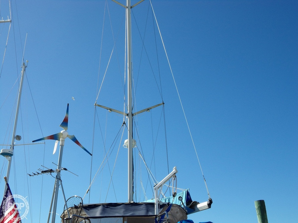 1984 Hunter boat for sale, model of the boat is 40 & Image # 22 of 40