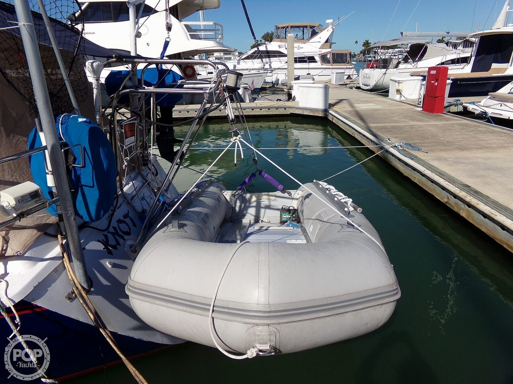 1984 Hunter boat for sale, model of the boat is 40 & Image # 25 of 40