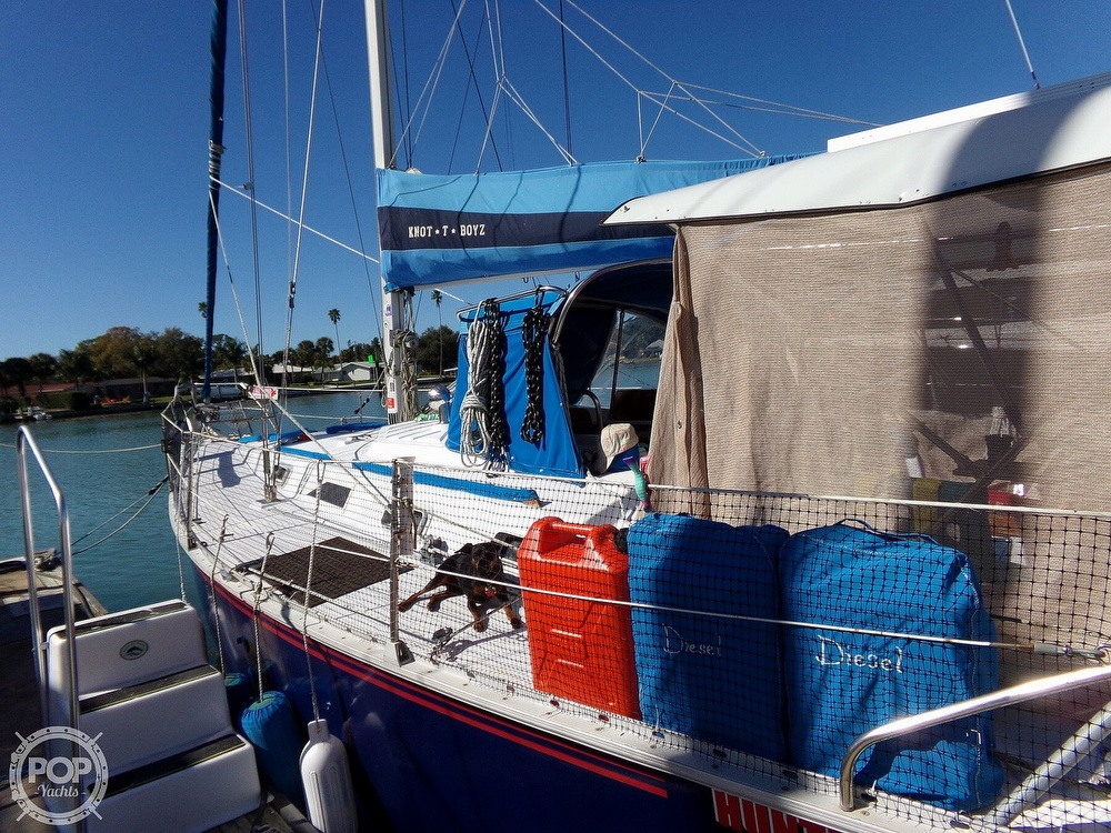 1984 Hunter boat for sale, model of the boat is 40 & Image # 28 of 40