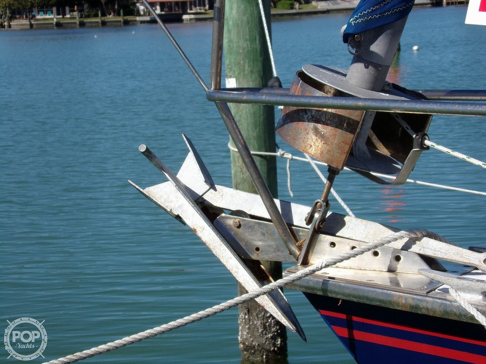 1984 Hunter boat for sale, model of the boat is 40 & Image # 29 of 40