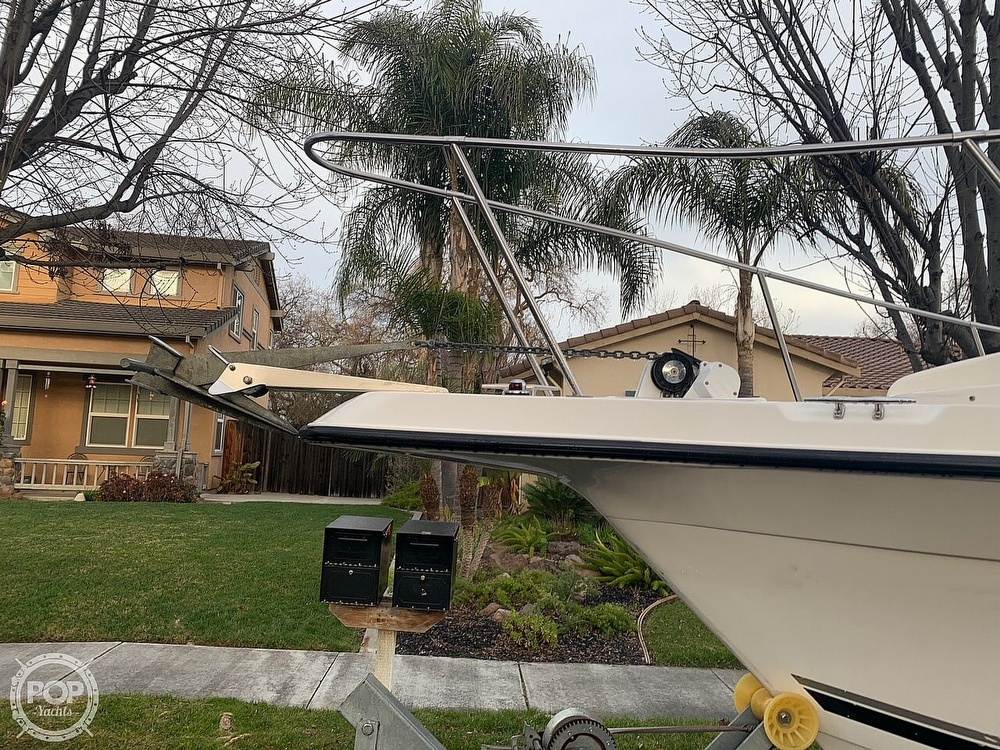 2002 Seaswirl boat for sale, model of the boat is Striper 2301 & Image # 2 of 40