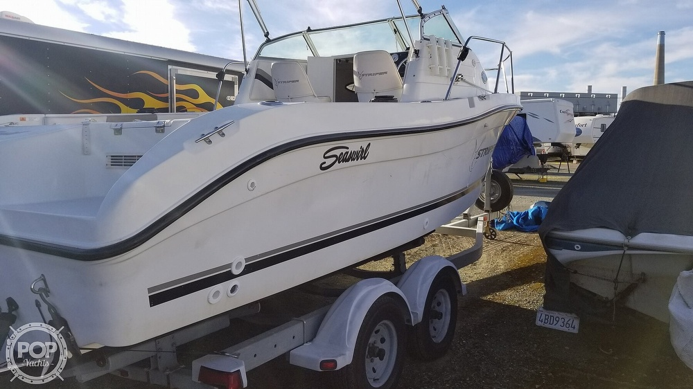2002 Seaswirl boat for sale, model of the boat is Striper 2301 & Image # 14 of 40