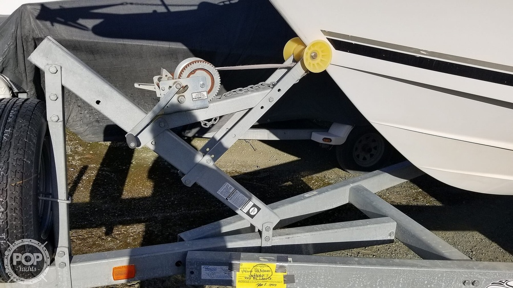 2002 Seaswirl boat for sale, model of the boat is Striper 2301 & Image # 20 of 40
