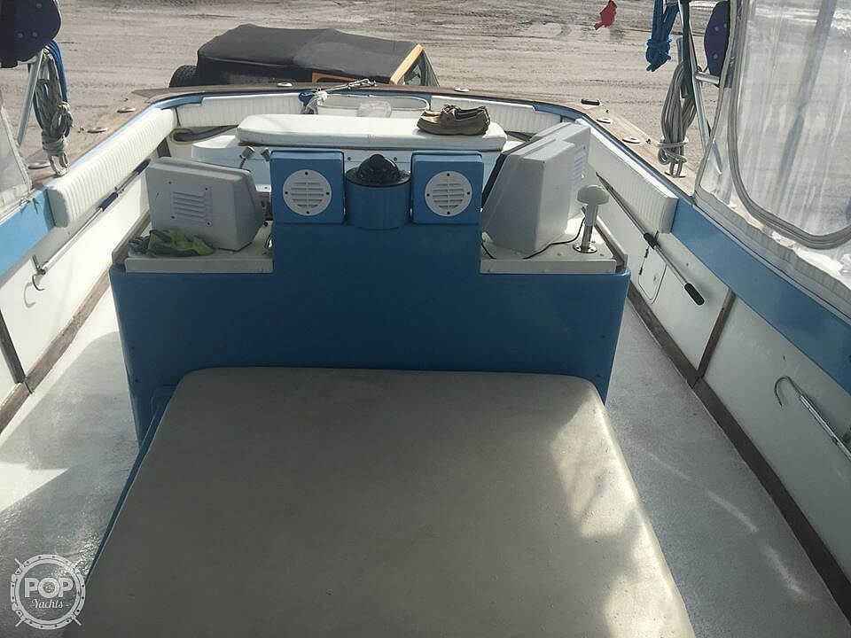 1976 Pacemaker boat for sale, model of the boat is Day Boat & Image # 11 of 40