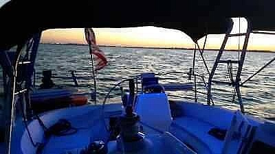 2001 Hunter boat for sale, model of the boat is 340 & Image # 8 of 17