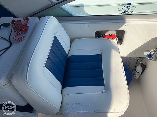 1992 Sea Ray boat for sale, model of the boat is 330 Express Cruiser & Image # 25 of 41