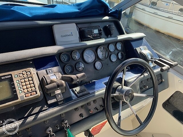 1992 Sea Ray boat for sale, model of the boat is 330 Express Cruiser & Image # 27 of 41