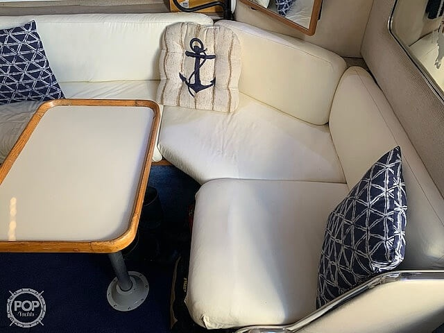 1992 Sea Ray boat for sale, model of the boat is 330 Express Cruiser & Image # 36 of 41