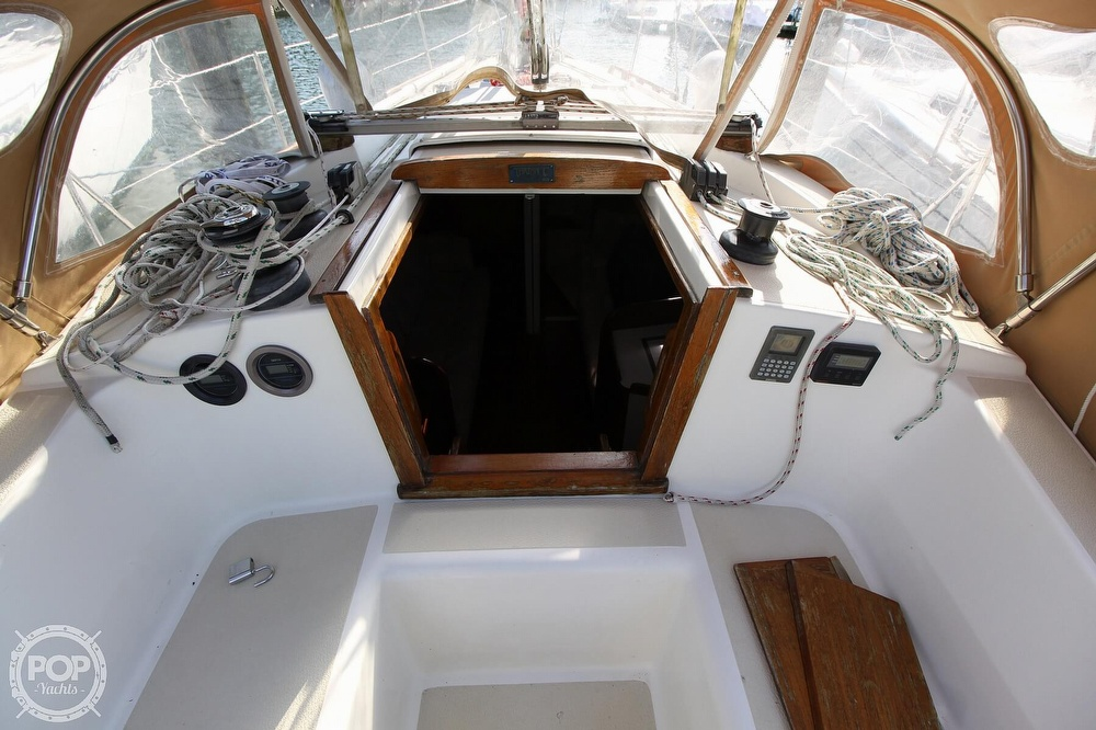 1989 Tartan boat for sale, model of the boat is 34-2 & Image # 27 of 40