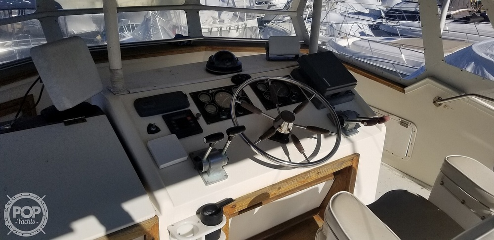 1985 Henriques boat for sale, model of the boat is 44 Sportfish & Image # 5 of 40