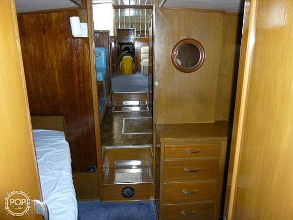 1966 Chris Craft boat for sale, model of the boat is 47 Commander & Image # 24 of 40
