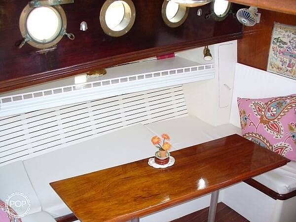 1966 Chris Craft boat for sale, model of the boat is 47 Commander & Image # 27 of 40