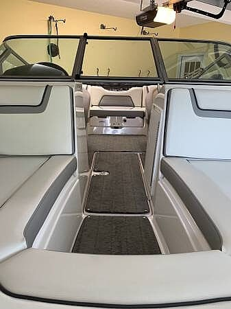 2018 Yamaha boat for sale, model of the boat is 190 SX & Image # 6 of 13
