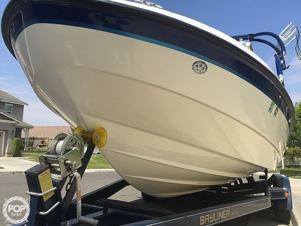 2004 Bayliner boat for sale, model of the boat is 225 & Image # 3 of 25