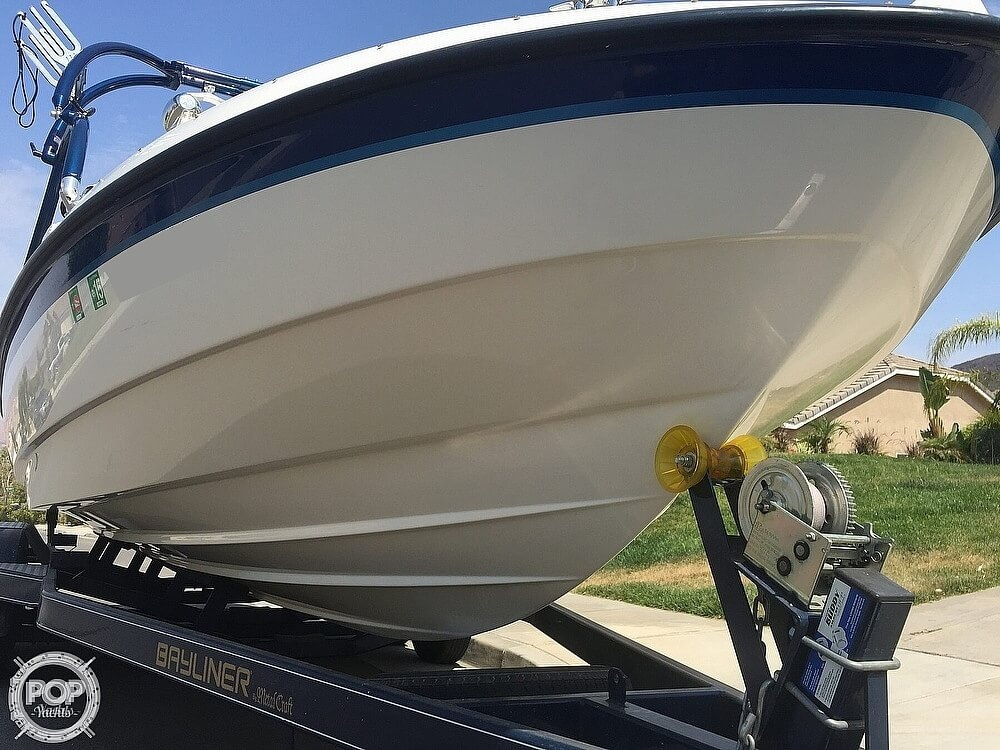 2004 Bayliner boat for sale, model of the boat is 225 & Image # 4 of 25