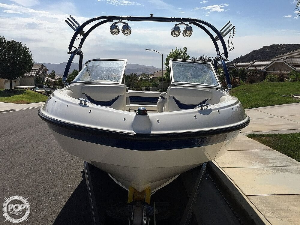 2004 Bayliner boat for sale, model of the boat is 225 & Image # 5 of 25