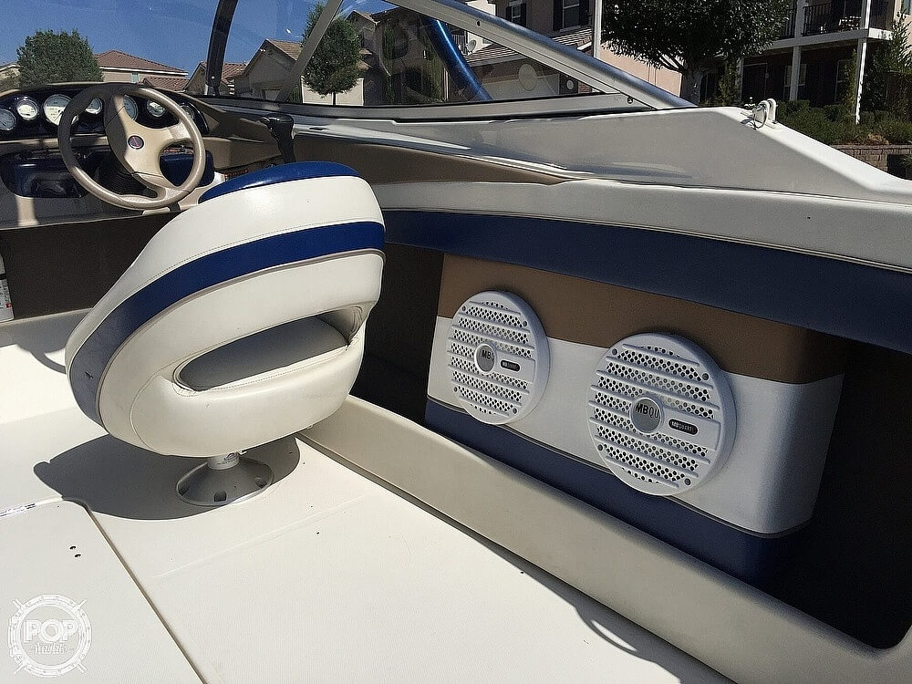 2004 Bayliner boat for sale, model of the boat is 225 & Image # 9 of 25
