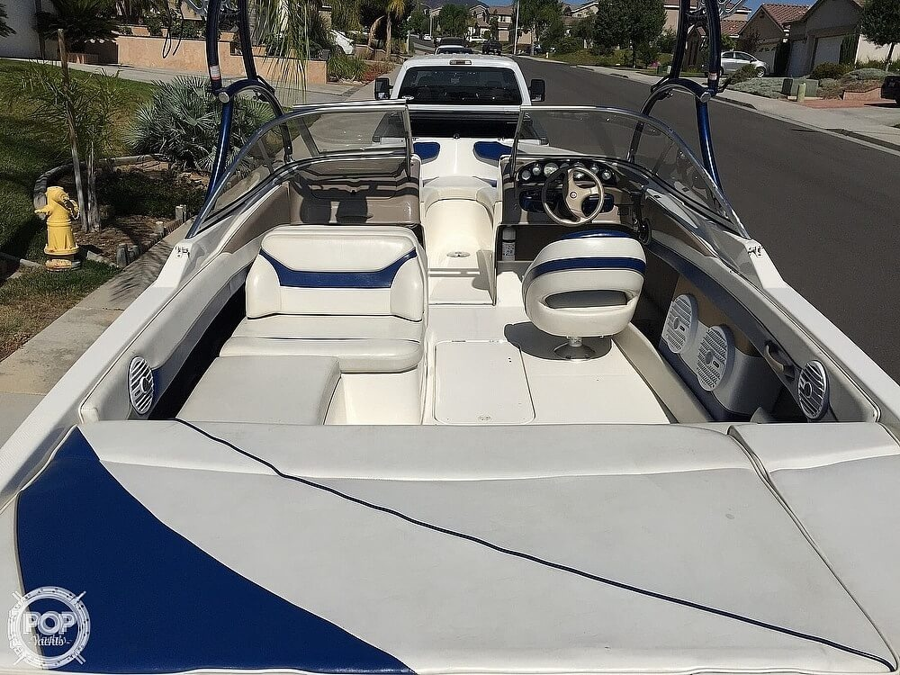 2004 Bayliner boat for sale, model of the boat is 225 & Image # 16 of 25