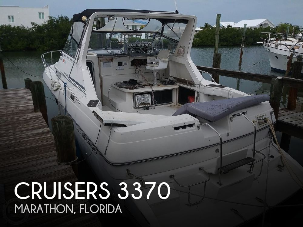 1989 Cruisers Yachts boat for sale, model of the boat is Espirit 3370 & Image # 1 of 40