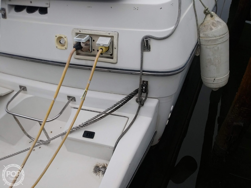 1989 Cruisers Yachts boat for sale, model of the boat is Espirit 3370 & Image # 10 of 40