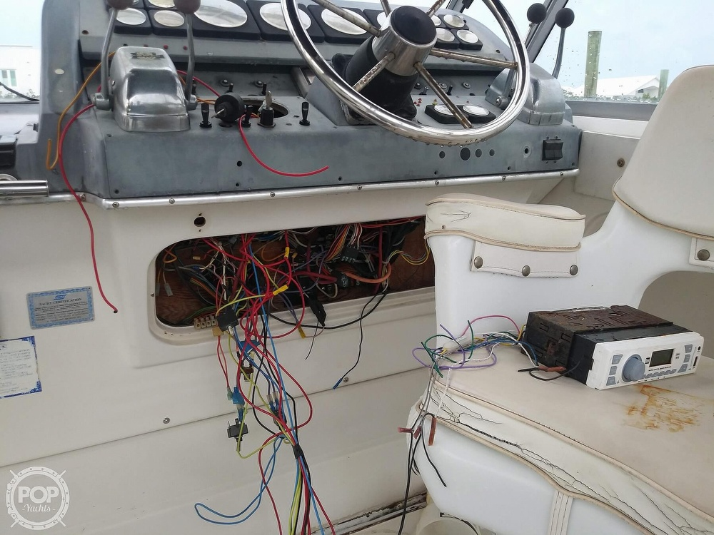 1989 Cruisers Yachts boat for sale, model of the boat is Espirit 3370 & Image # 24 of 40