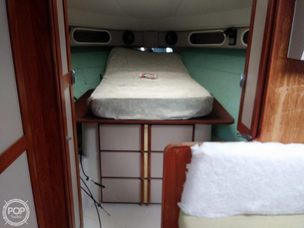 1989 Cruisers Yachts boat for sale, model of the boat is Espirit 3370 & Image # 39 of 40