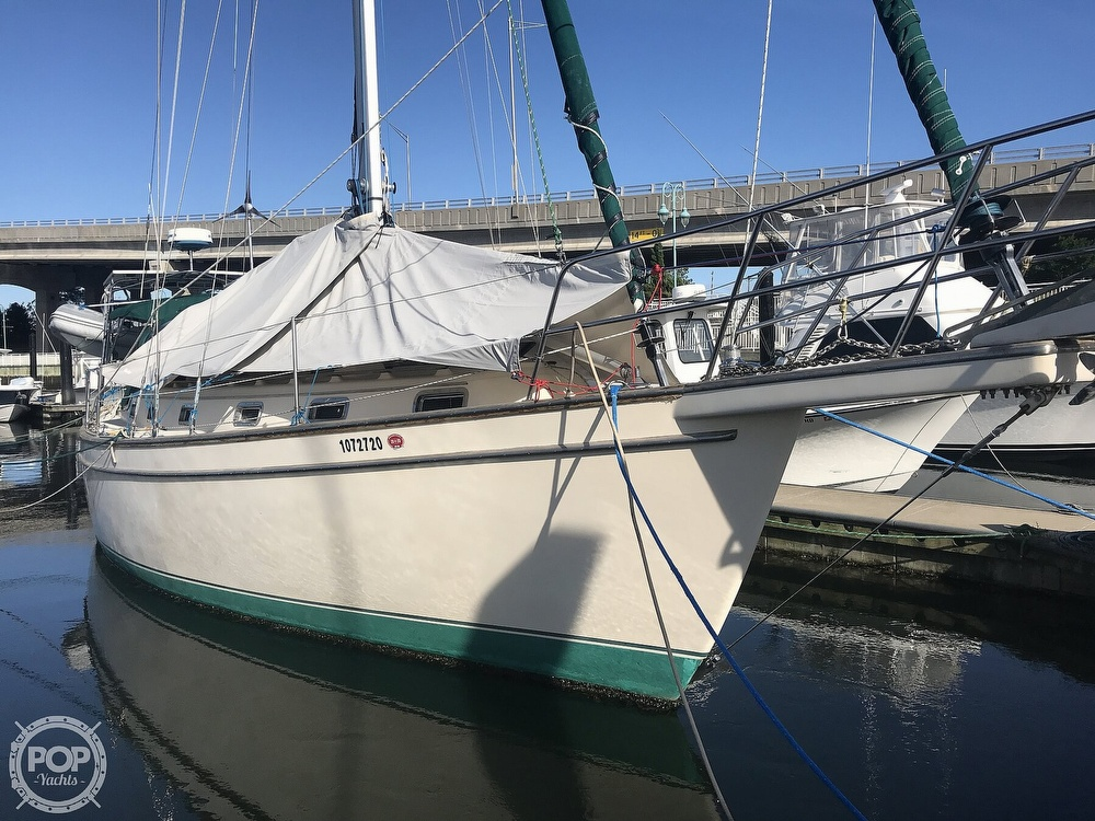 1990 Island Packet boat for sale, model of the boat is 38 Cutter & Image # 12 of 40