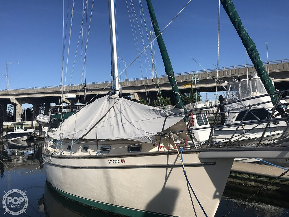 1990 Island Packet boat for sale, model of the boat is 38 Cutter & Image # 13 of 40