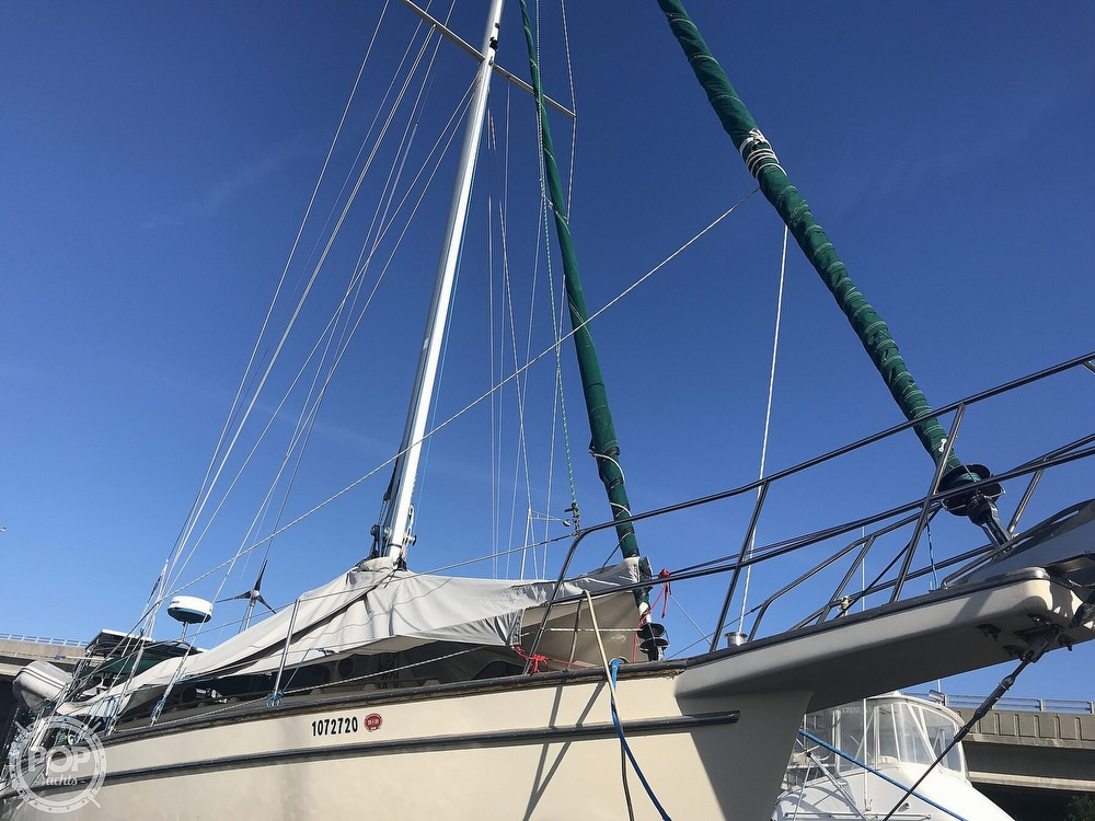 1990 Island Packet boat for sale, model of the boat is 38 Cutter & Image # 14 of 40
