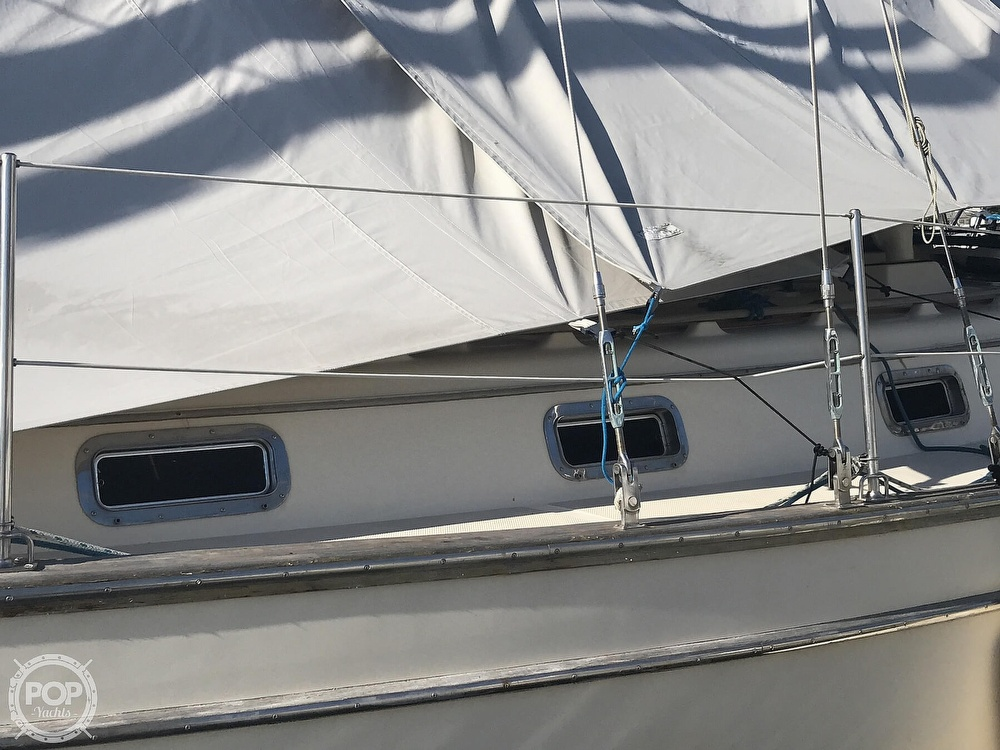1990 Island Packet boat for sale, model of the boat is 38 Cutter & Image # 21 of 40