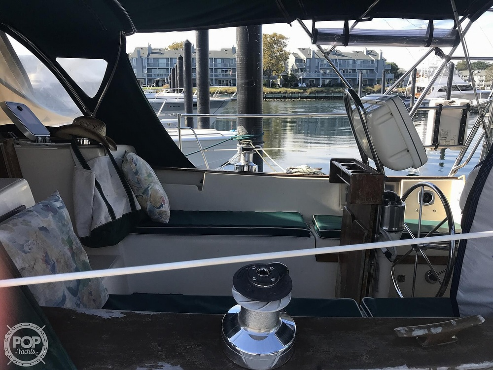 1990 Island Packet boat for sale, model of the boat is 38 Cutter & Image # 22 of 40
