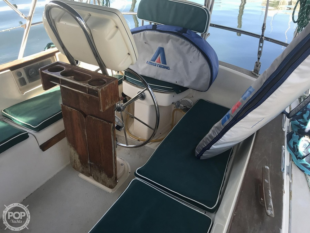1990 Island Packet boat for sale, model of the boat is 38 Cutter & Image # 25 of 40