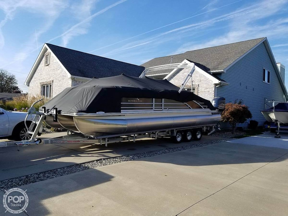 2017 Bennington boat for sale, model of the boat is 27 RSB X2 & Image # 29 of 36