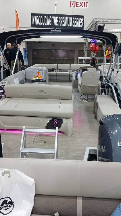 2017 Bennington boat for sale, model of the boat is 27 RSB X2 & Image # 33 of 36